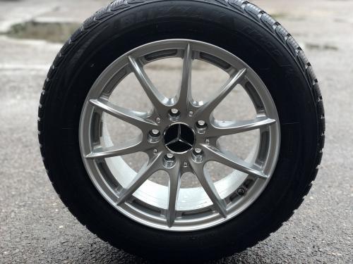 Mercedes-Benz ratlankiai su padangom
